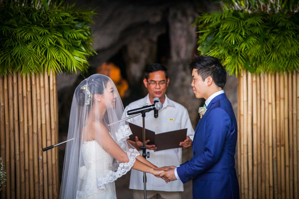 Jason and Shierly beach wedding at Railay beach ,Rayavadee Resort in Krabi ,Thailand.