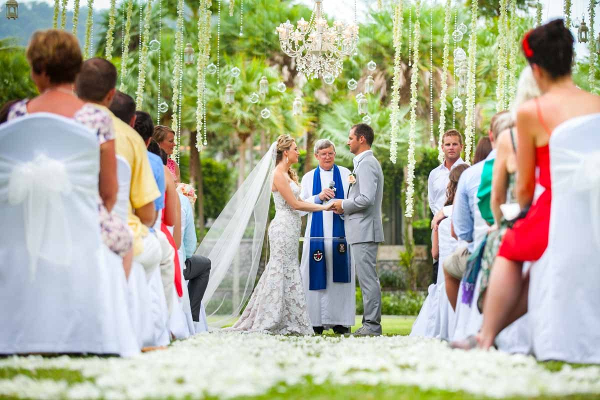 Ember and Garred tied a knot at a gorgeous place as Indigo Pearl Phuket Thailand.