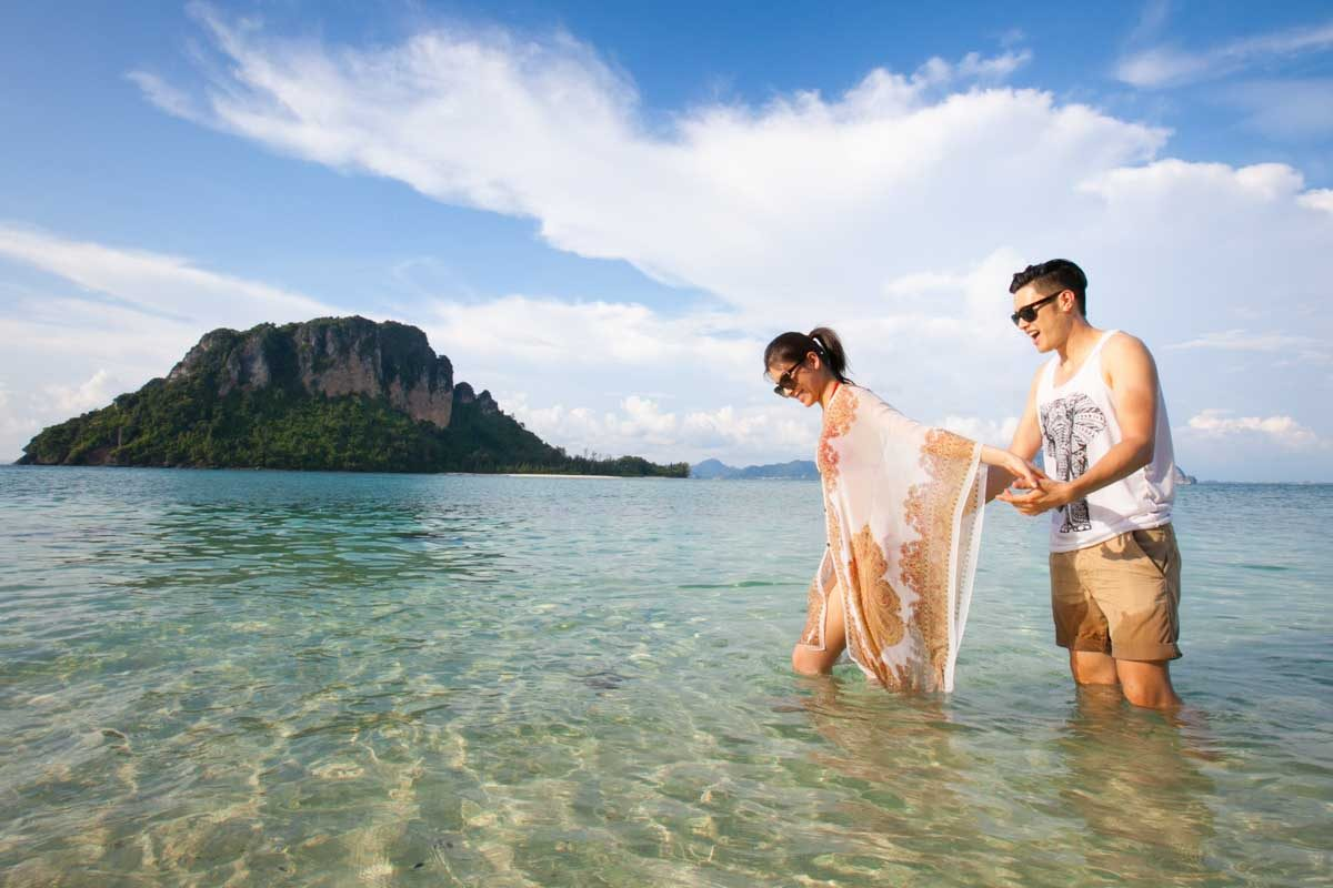 Honeymoon photo session for Tommy during honeymoon in Krabi