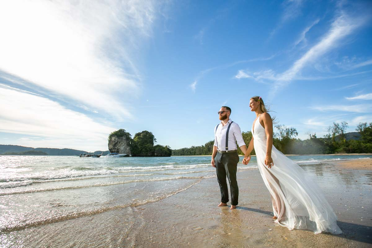 Mike with Justine from USA come to Thailand for honeymoon photography in Krabi Thailand.