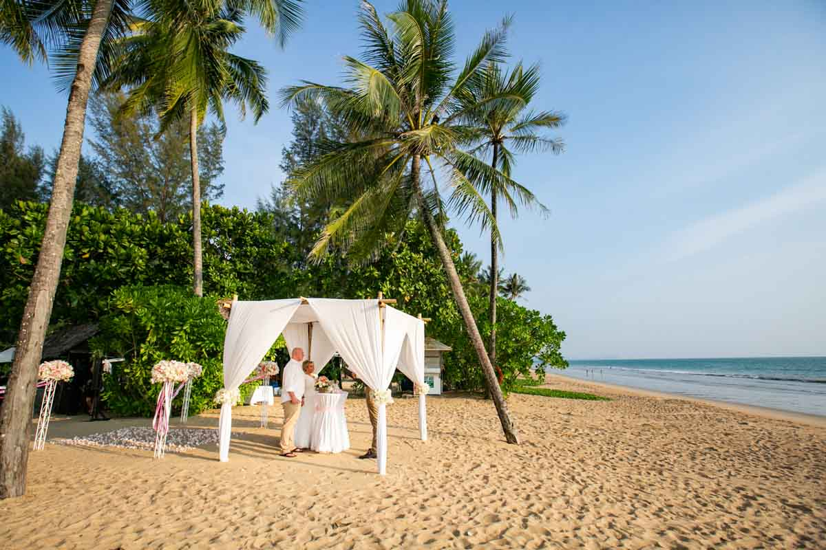 Khao Lak beach wedding photography of Simone and Martin at JW Marriott Khao Lak.